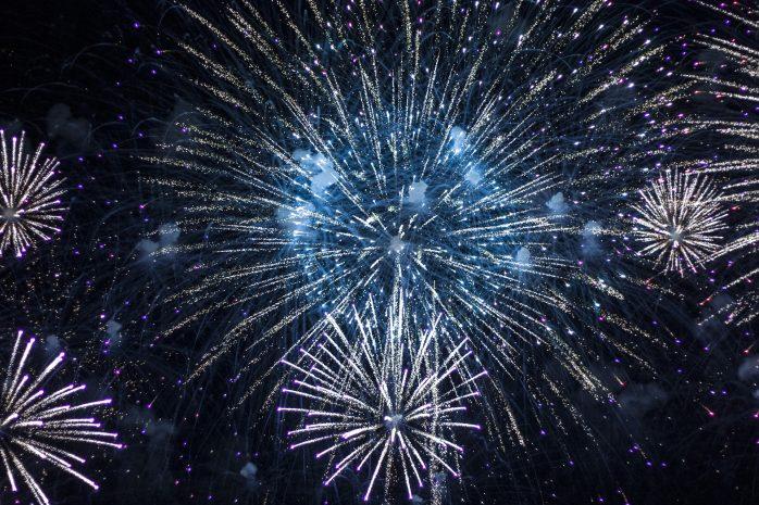 fireworks-5270439_1920